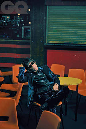 johnny-marr-01-gq-4oct18_b.jpg