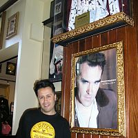 javier in hard rock cafe barcelona 2007 spain