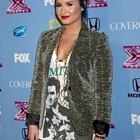 demi-lovato-leather-pants-x-factor-party-1106-10-435x580